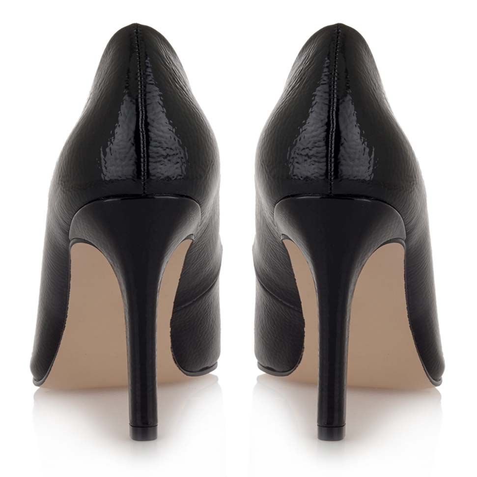 Zapato de tacon stiletto charol negro