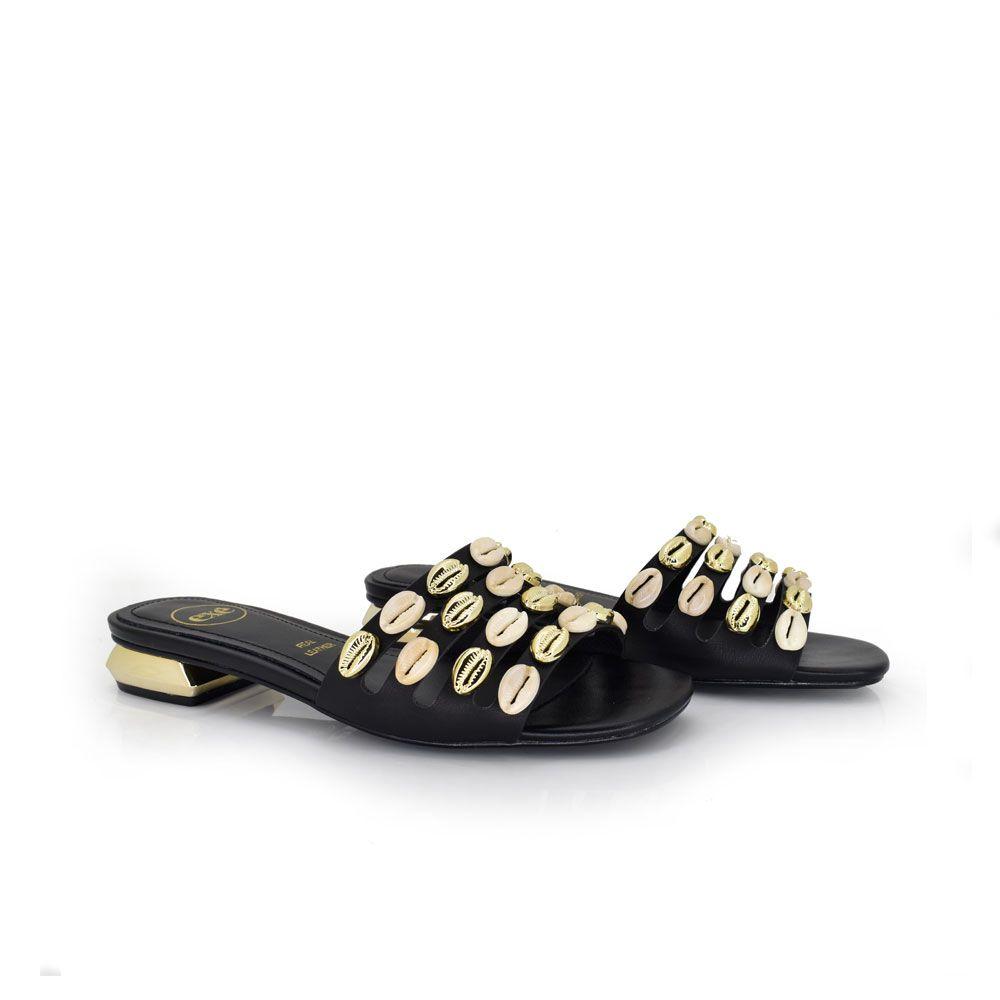 sandalia plana color negro con chanclas