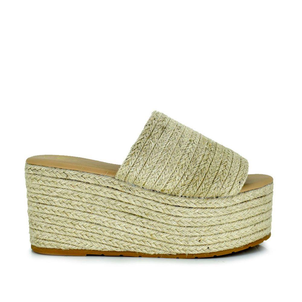 Sandalia de pala con plataforma en rafia