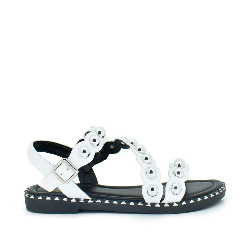 Sandalia plana blanco tachas redondas