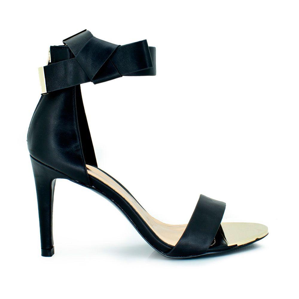 Sandalia de tacon pulsera con lazo negro