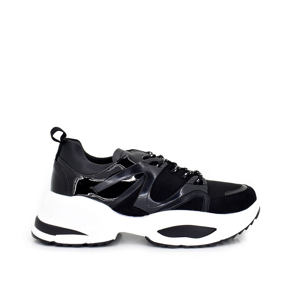 sneaker black con plataforma y detalles en el lateral. cordones. sneaker zapatilla tenis para mujer
