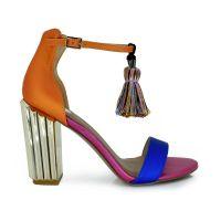 Sandalia de tacón multicolor con borlas